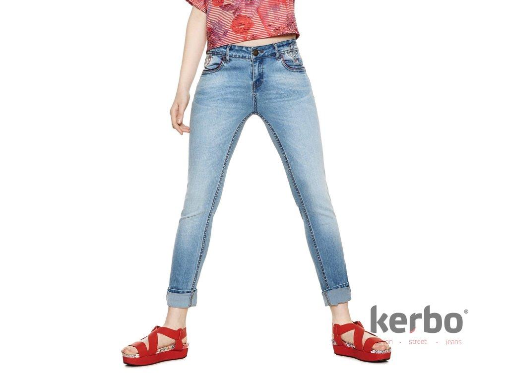 DESIGUAL Dámské jeans DESIGUAL MAITÉ - DESIGUAL - 18SWDD44 5053 DENIM MAITÉ c66576b3d6d