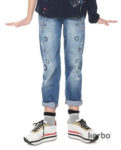 DESIGUAL Dámské jeans DESIGUAL BRAZZAVILLE - DESIGUAL - 18SWDD59 5160  DENIM BRAZZAVILLE be5b3c52e4d