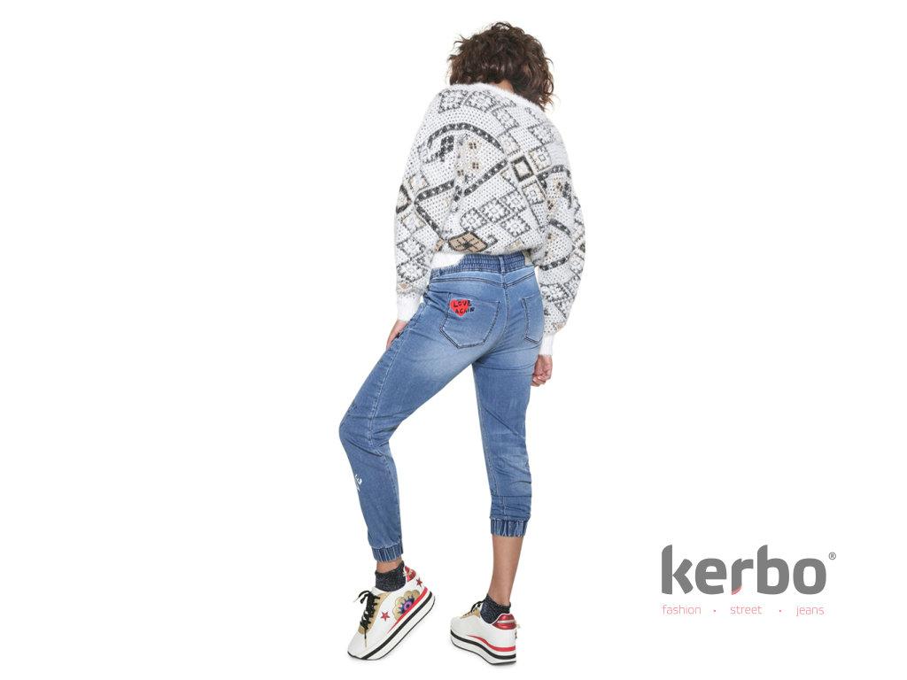Dámské jeans DESIGUAL JOGGER LETTERING - DESIGUAL - 18WWDD30 5061  DENIM JOGGER LETTERING 11dd9354aad